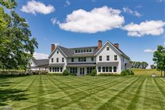 Meadowbrook Farm mansions