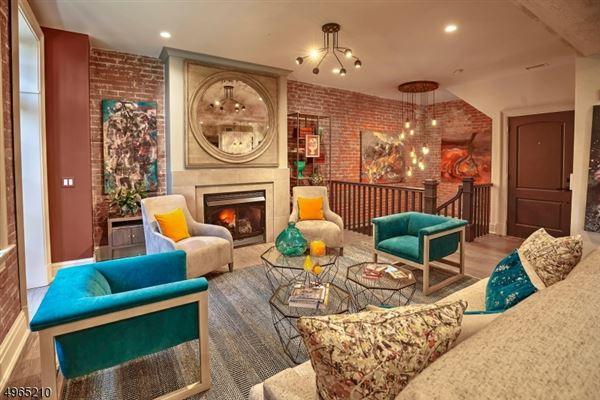 Luxury homes NYC train lifestyle