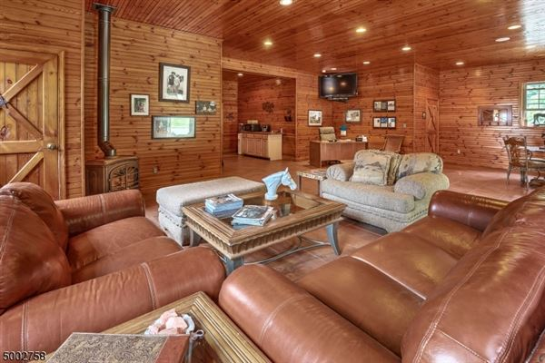 Luxury homes state of the art equestrian property