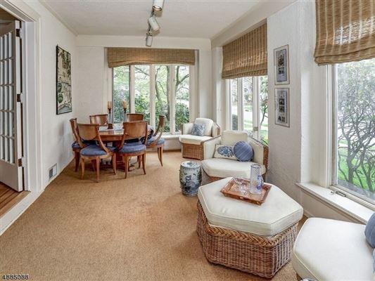 landmark Washington's Headquarters ColoniaL luxury real estate