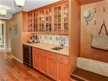 landmark Washington's Headquarters ColoniaL luxury properties
