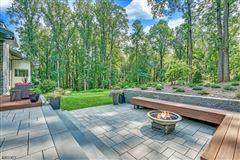 Modern Masterwork in Bernardsville luxury homes