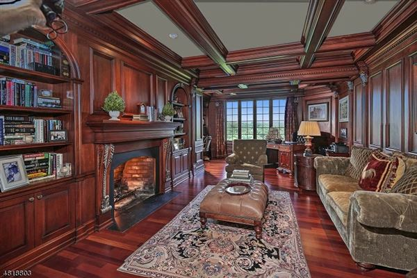 Luxury properties Extraordinary lifestyle home