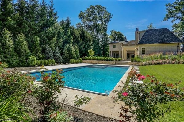 Mansions Custom home in chatham township