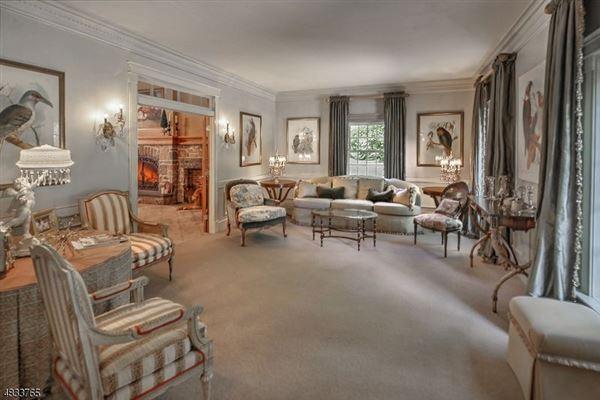 Exquisitely designed park-like estate luxury homes