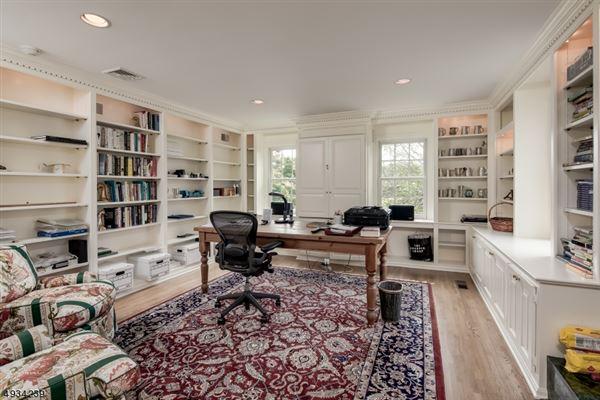 Luxury homes in Classic Estate on the Bernardsville Mountain