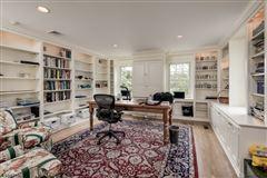 Luxury real estate Classic Estate on the Bernardsville Mountain