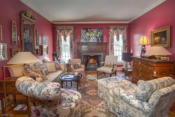 Luxury homes in Spectacular custom home