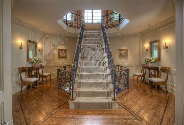 Luxury homes resort like on the Bernardsville Mountain