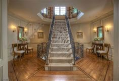Luxury homes in resort like on the Bernardsville Mountain