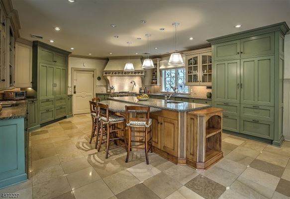 resort like on the Bernardsville Mountain luxury homes