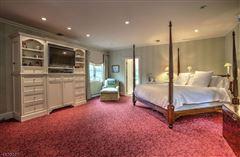 Luxury real estate resort like on the Bernardsville Mountain