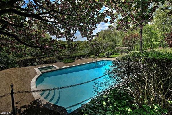 Luxury homes Sunset Farm
