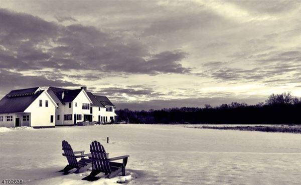 Pond Cottage model luxury properties