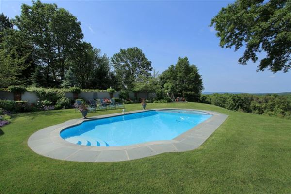 ten Magnificent acres and beautiful home luxury real estate