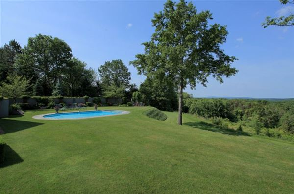 Luxury properties ten Magnificent acres and beautiful home