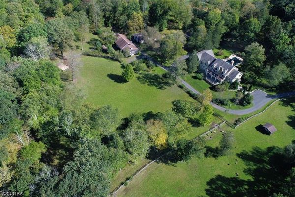 Mansions special home on over 10 acres
