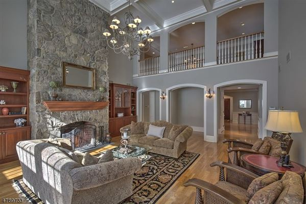 Sophisticated Colonial home luxury properties