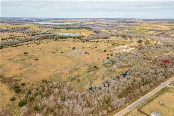 Luxury properties amazing opportunity on over 100 acres