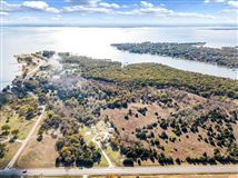 prime lakefront location in East Tawakoni mansions