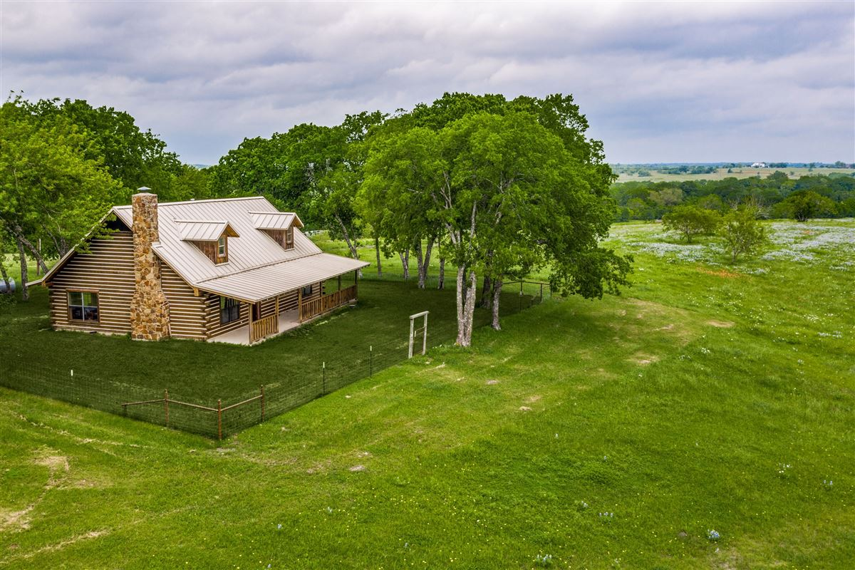 Fabulous 300 Acre Ranch mansions