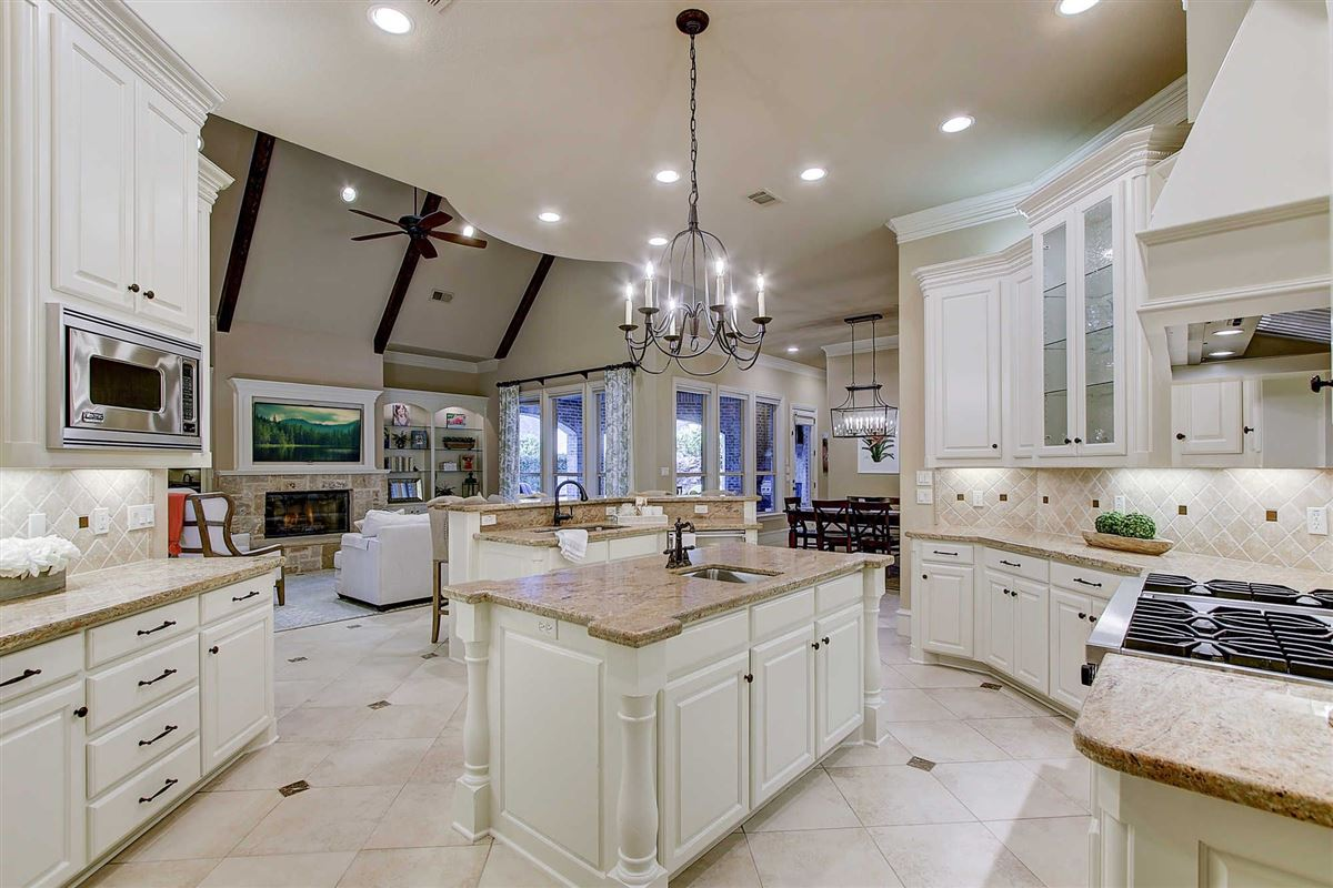 Gorgeous custom home in Estes Park luxury homes