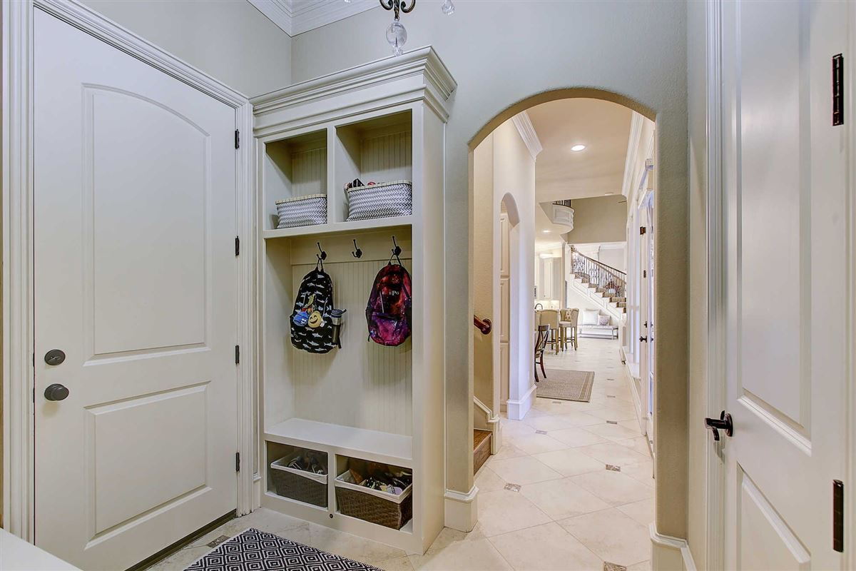 Gorgeous custom home in Estes Park mansions