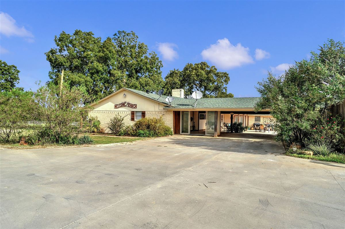 a beautiful equine ranch property  luxury real estate