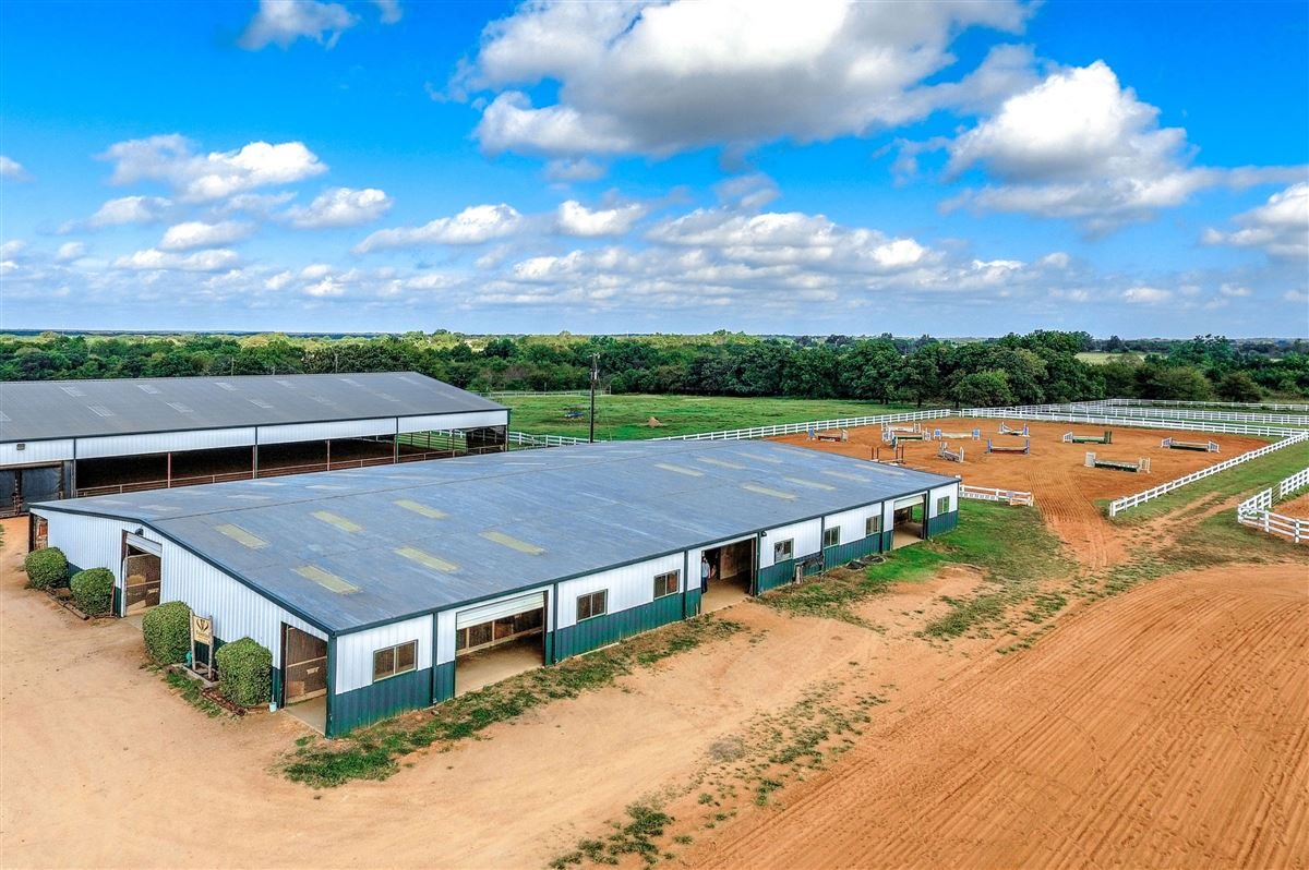 Luxury properties a beautiful equine ranch property