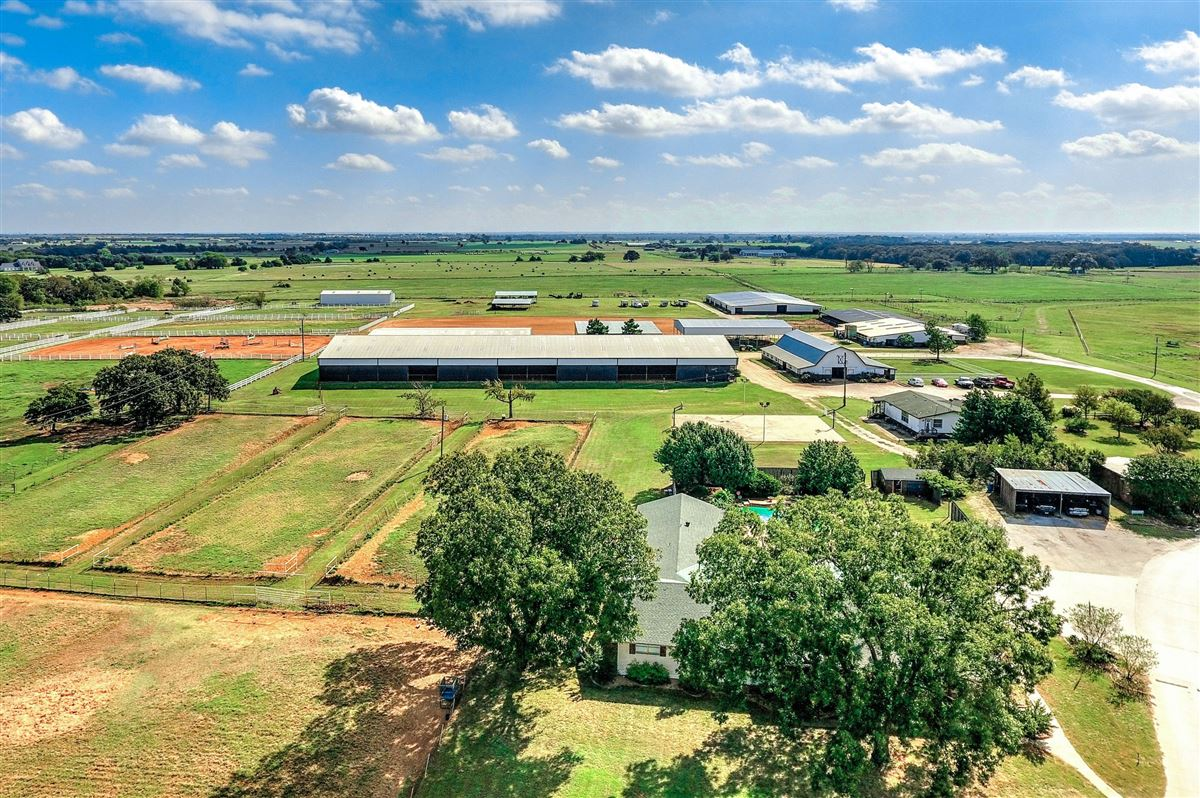 Luxury real estate a beautiful equine ranch property