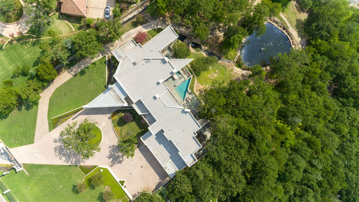 fabulous estate with breathtaking views luxury homes