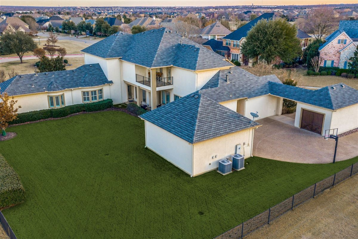 Luxury real estate spectacular views on the 6th hole of Gentle Creek