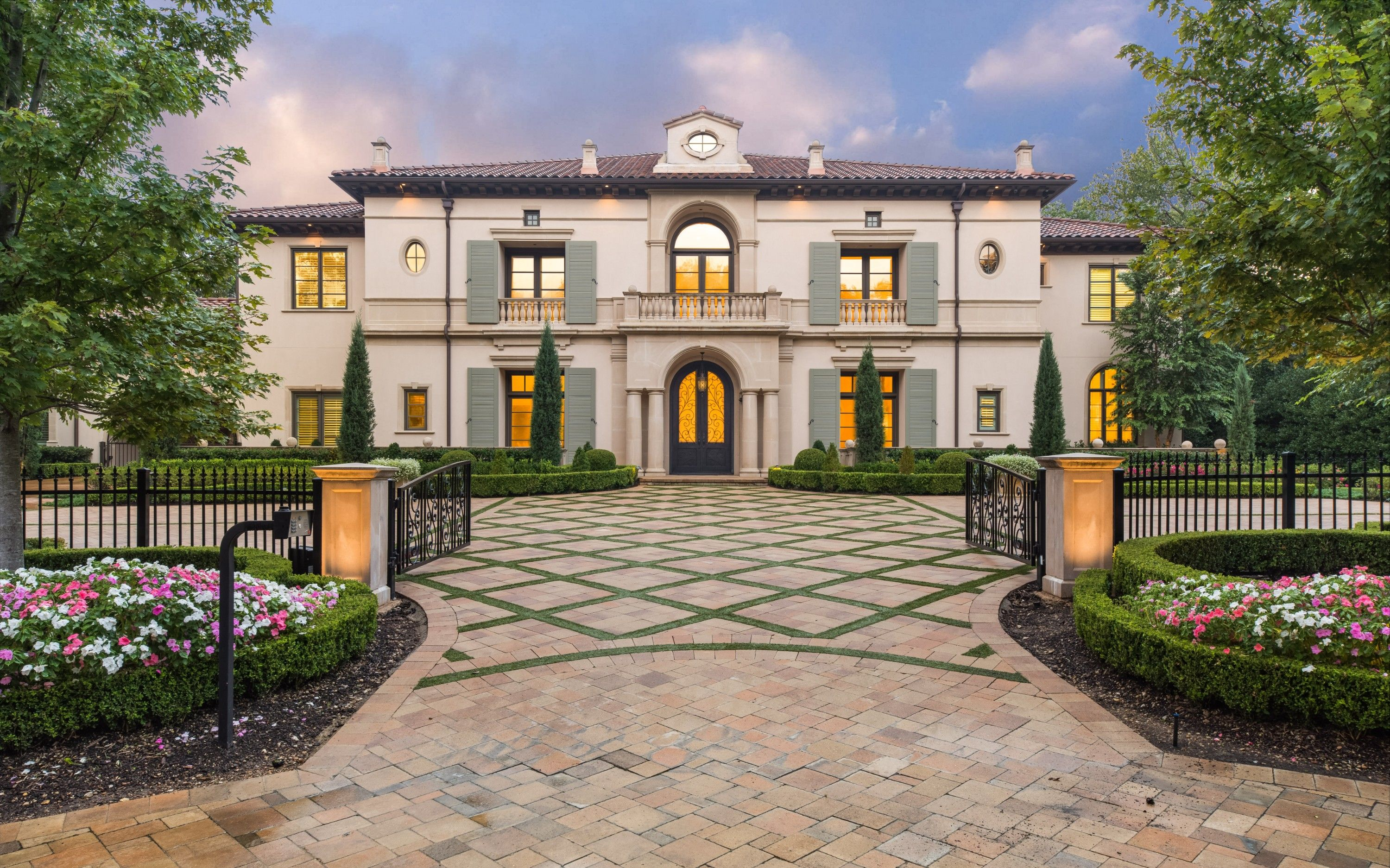 Absolutely Gorgeous Home In Preston Hollow