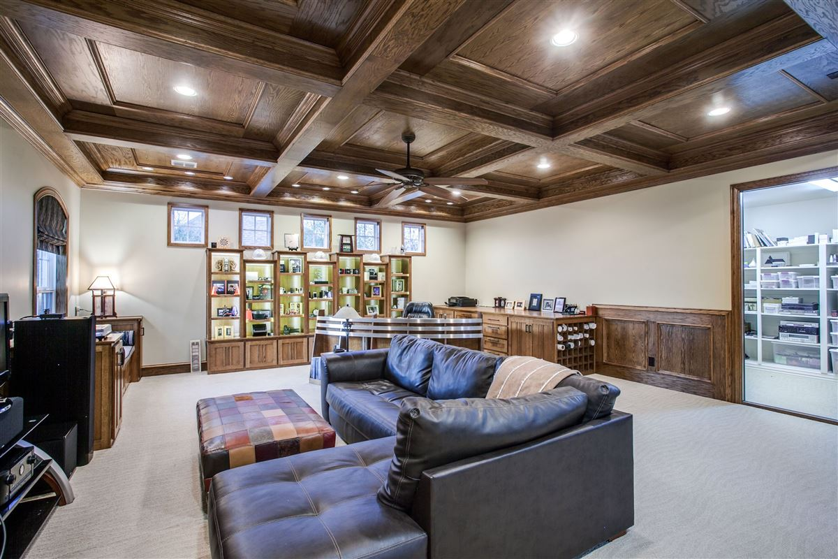 Luxurious and Private custom home luxury real estate