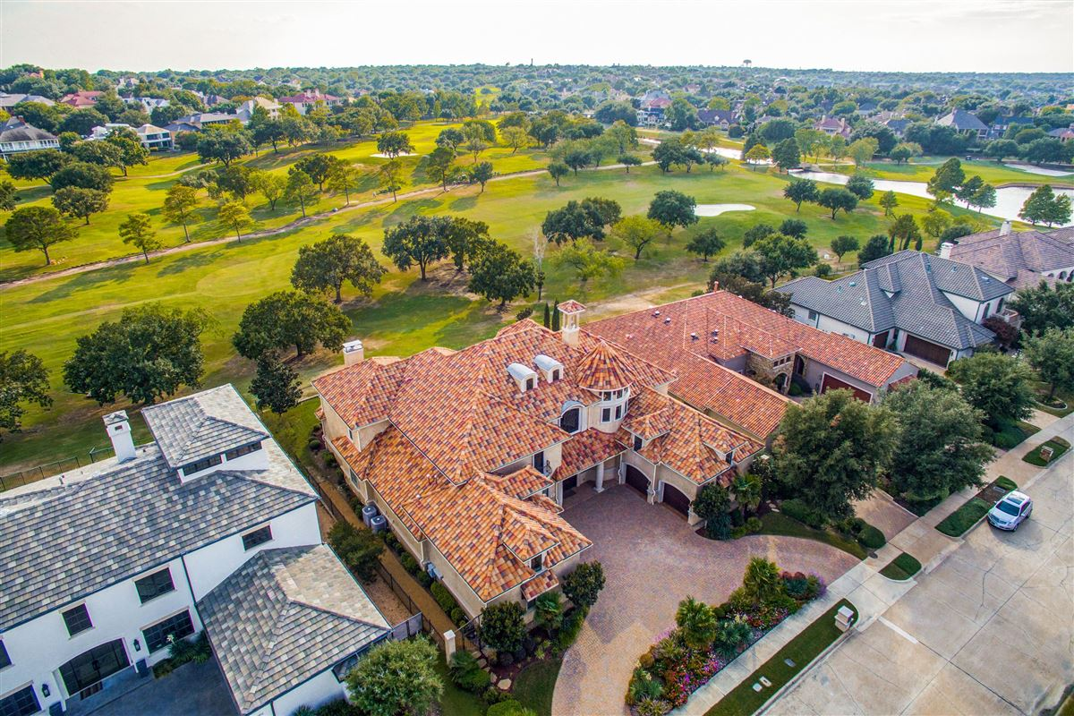 Luxury homes a luxury Mediterranean style golf course home