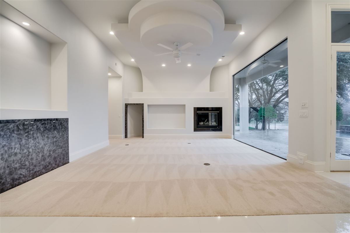 Spectacular estate on a premium lot  luxury properties
