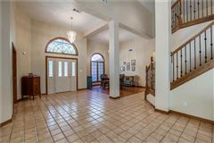Luxury homes in expansive property covering more than 7 acres