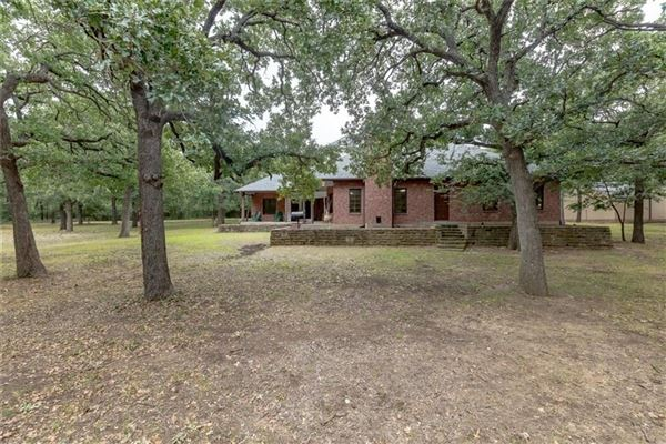 Luxury properties expansive property covering more than 7 acres