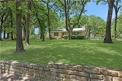 country estate OVERLOOKING LAKE TEXOMA mansions