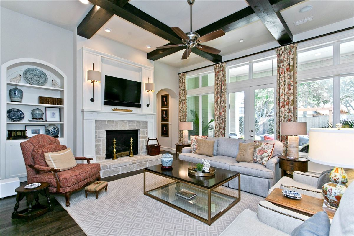 Hamilton Hills residence of character and individuality luxury homes