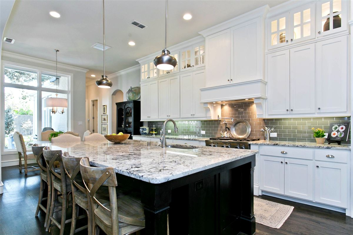 Luxury properties Hamilton Hills residence of character and individuality