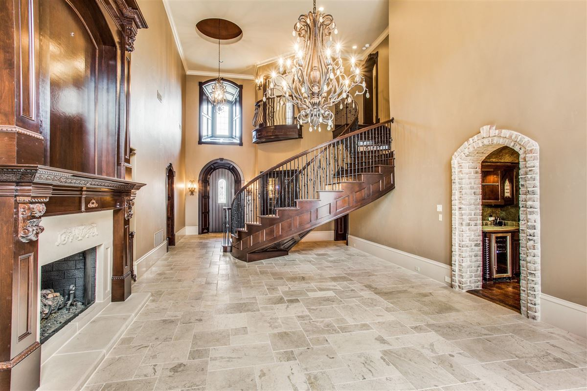 Luxury homes Breathtaking New Haven Home
