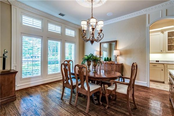 Luxury real estate Meticulously kept custom built home
