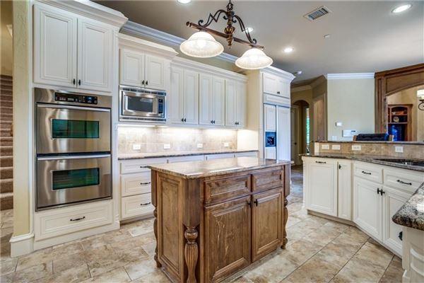 Meticulously kept custom built home luxury real estate