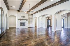 Luxury real estate 1 story charmer in heath, texas