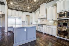 Luxury homes in 1 story charmer in heath, texas