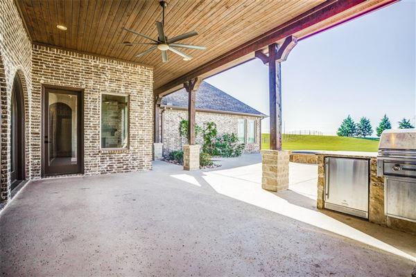 Luxury homes 1 story charmer in heath, texas