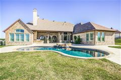 Mansions in 1 story charmer in heath, texas