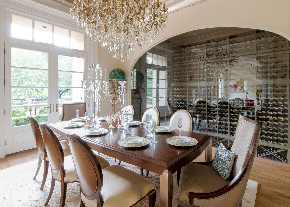 Absolutely gorgeous home in Preston Hollow mansions