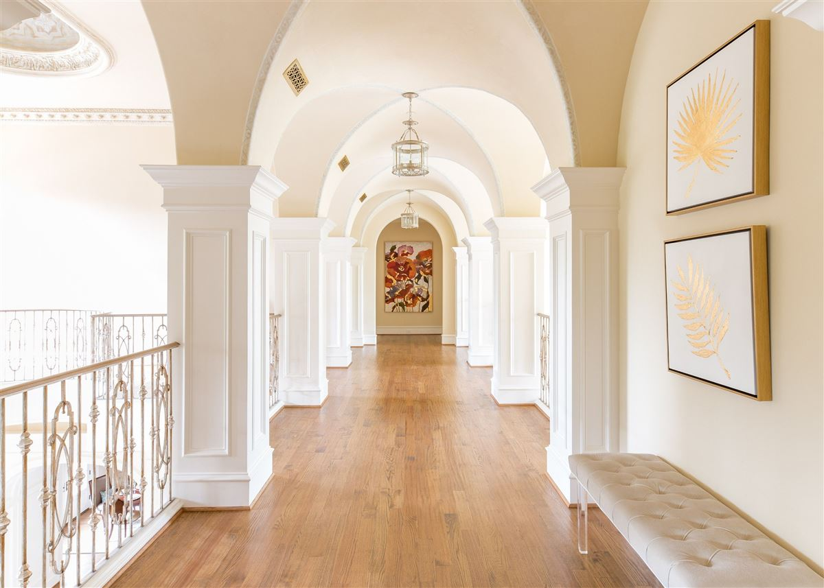 Luxury homes Absolutely gorgeous home in Preston Hollow